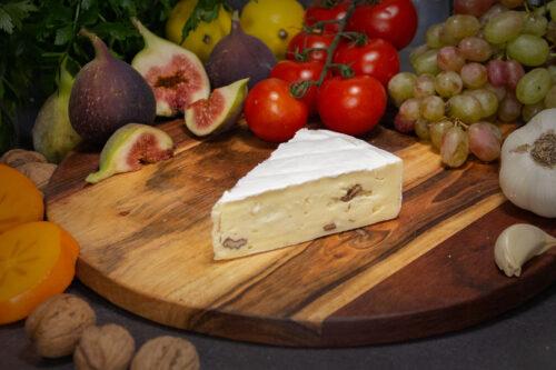 Le Brie mit Walnuß